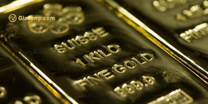 Vàng vượt lên 1800 USD