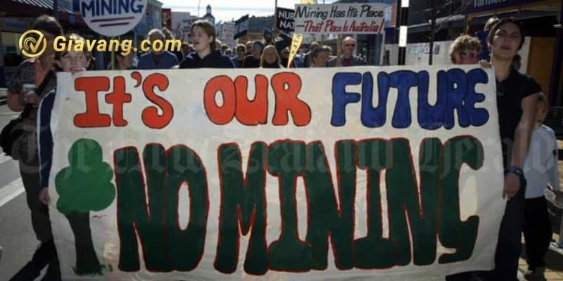 Người dân bản địa biểu tình