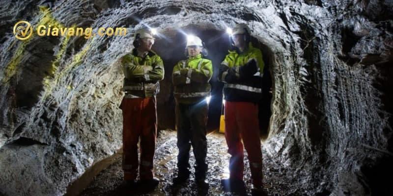 Khai thác mỏ vàng
